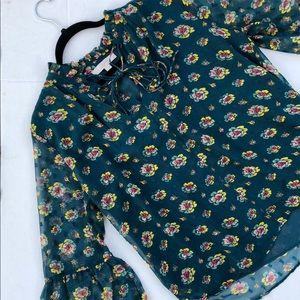 ❤️ Ann Taylor Floral Bell Sleeve Blouse